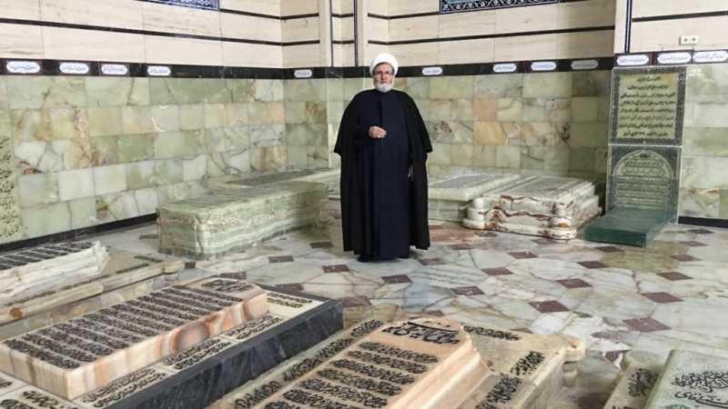 الشيخ البغدادي زار ضريح آية الله التسخيري في قم المقدسة